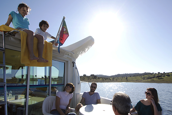 Descubra a Magia do Alentejo no Lago Alqueva