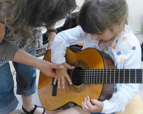 Vem experimentar os instrumentos musicais!