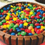 Neste Carnaval aposte num bolo colorido!